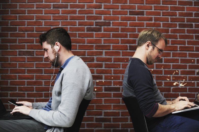 Jakie ogłoszenie o pracę przyciągnie uwagę wymagającego kandydata?