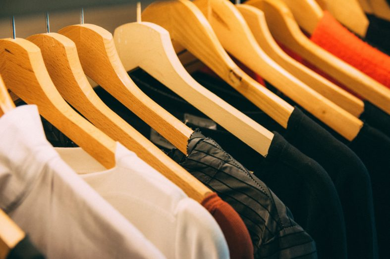 Nieodpowiedni strój na rozmowie rekrutacyjnej budzi wątpliwości rekruterów