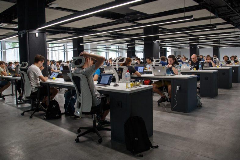 Coraz więcej pracowników tymczasowych przechodzi na etaty. To wywołuje zmiany w agencjach zatrudnienia