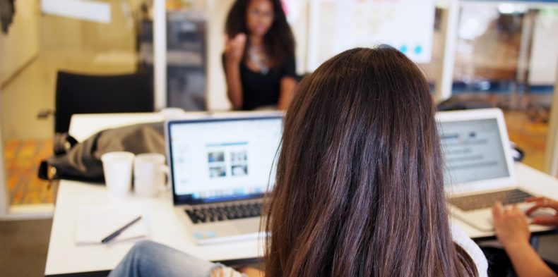 Jak wesprzeć karierę kobiet w technologiach?