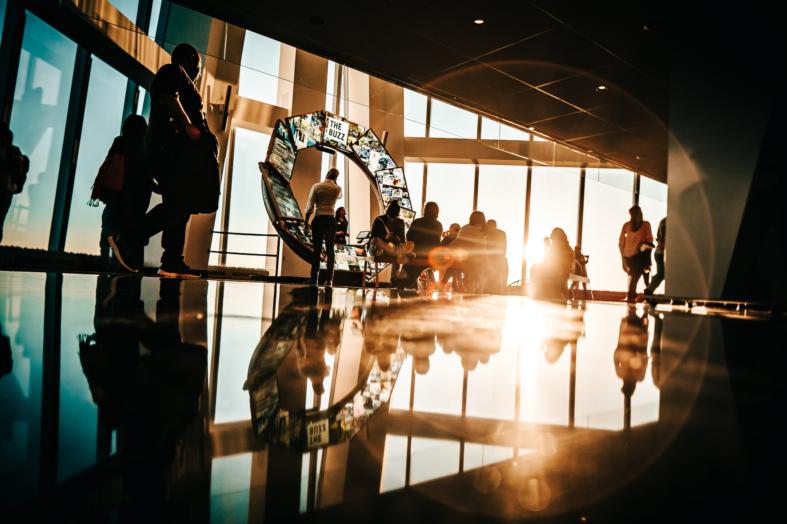 4 powody, dla których warto zainwestować w pracowników, którzy dopiero rozpoczynają karierę w chmurze