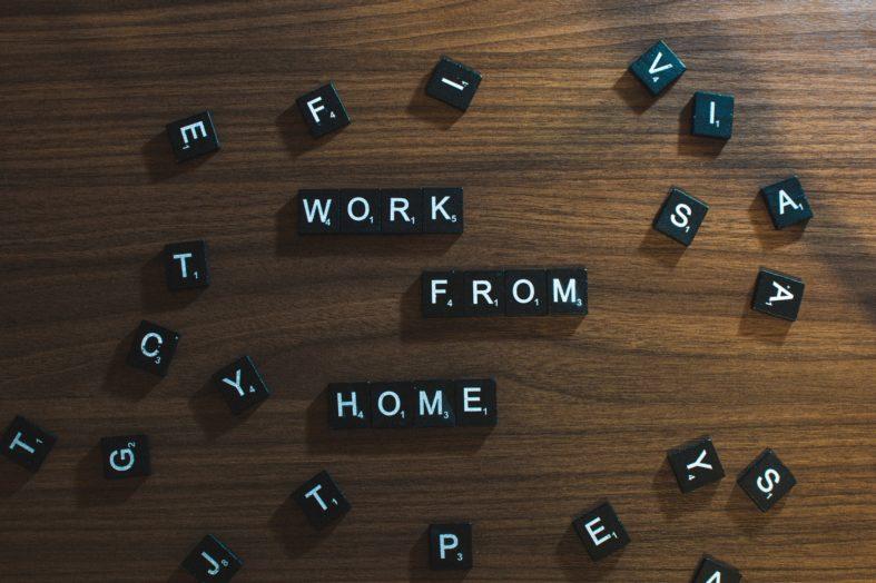 Brak porozumienia, ale praca wre. Ministerstwo chce uregulować przepisy na home-office