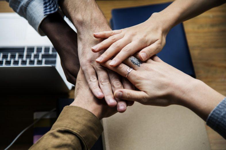 Pracownicy firm powyżej 10 osób mają większe szanse na podwyżki. Ale muszą zabiegać o nie zbiorowo