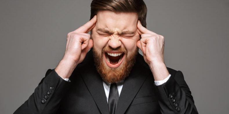 Wściekły pies czy sofa, czyli o asertywności w pracy