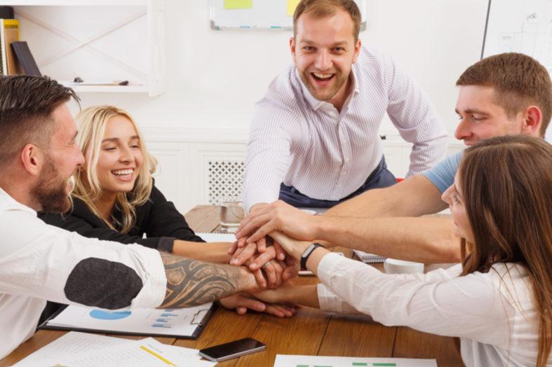 Partnerstwo działu HR i działu sprzedaży – 5 kroków udanej współpracy