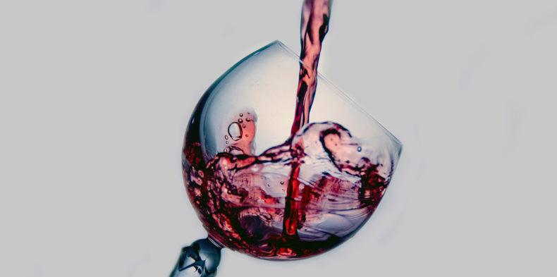 Menadżerze, nie pijaj samotnie wina!