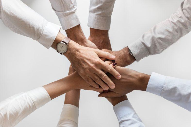 Integracja ludzi i strategii w epoce zmian
