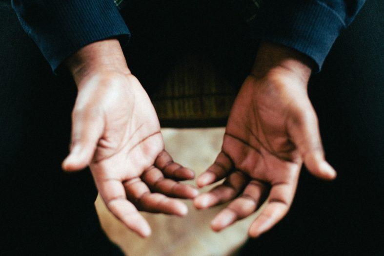 Trudne sytuacje podczas rozmowy rozstaniowej – strategie działania