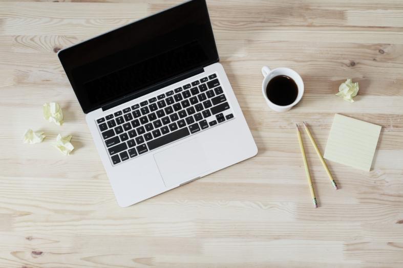 Jak unikać frazesów w ogłoszeniach o pracę?