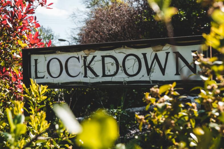"""""""Pokolenie Lockdown"""", czyli nowe problemy młodych osób na rynku pracy"""