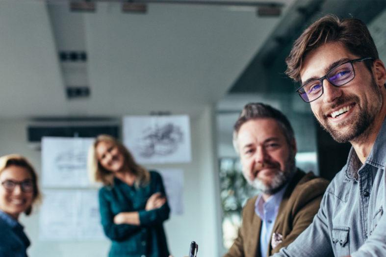 Jak wesprzeć pracowników w radzeniu sobie ze stresem i nowymi warunkami pracy?