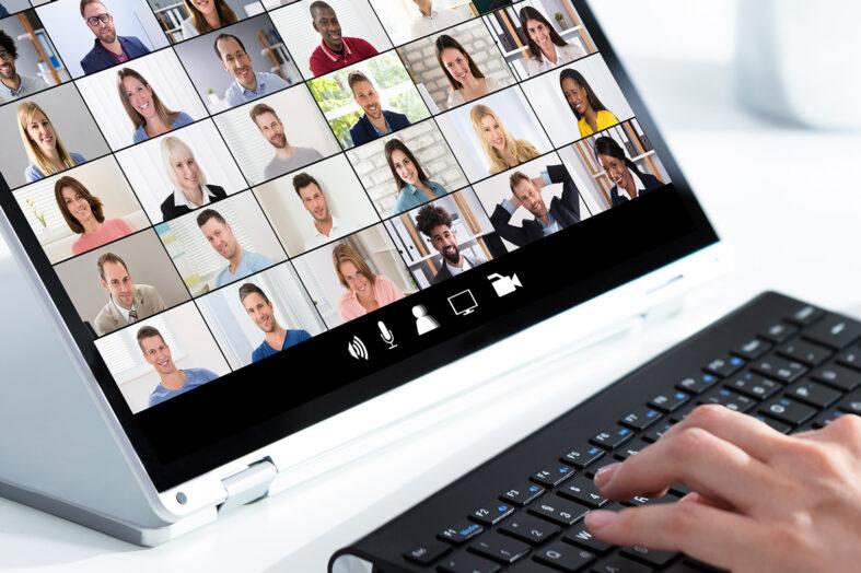 Jak prowadzić efektywną rekrutację i proces onboardingu online?