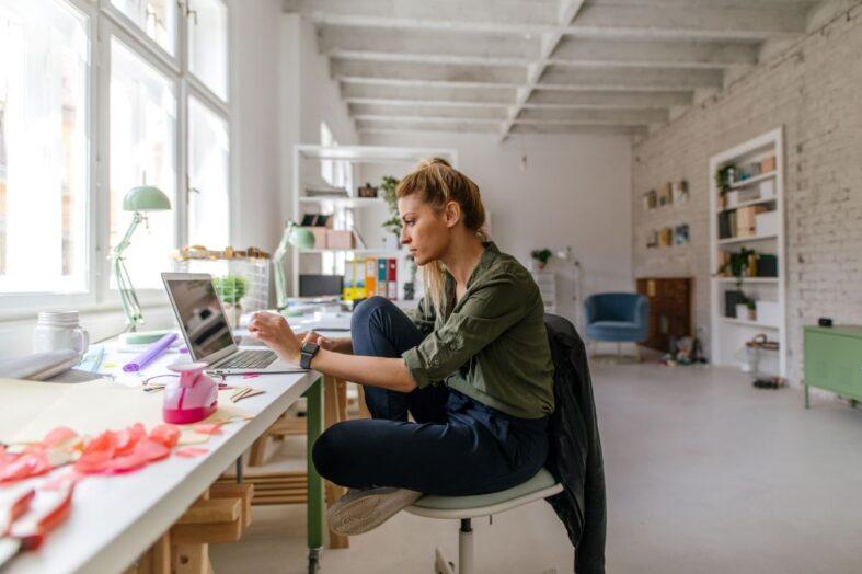 Jak chronić zdrowie i dobre samopoczucie pracowników?